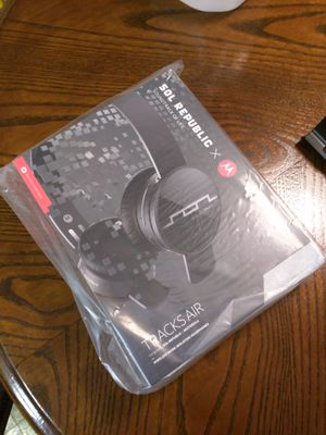 Bluetooth headphone for Sale in Charlotte, NC