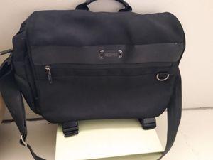Kenneth Cole Reaction Messenger Bag for Sale in Phoenix, AZ