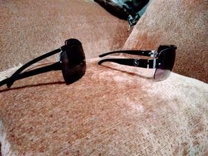 guess sunglasses/Ferrari sunglasses for Sale in Rancho Palo Chino, MX