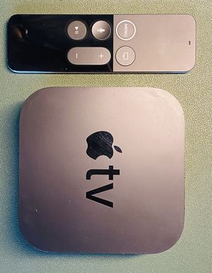 Apple TV 32 GB Full HD with remote for Sale in Seattle, WA