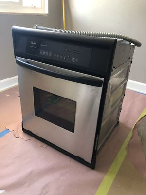 Whirlpool wall oven 24inc for Sale in West Covina, CA