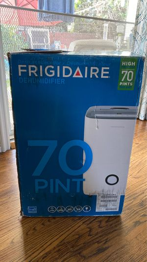 Frigidaire FFAD7033R1, 70 Pint, White Dehumidifier, for Sale in West Covina, CA
