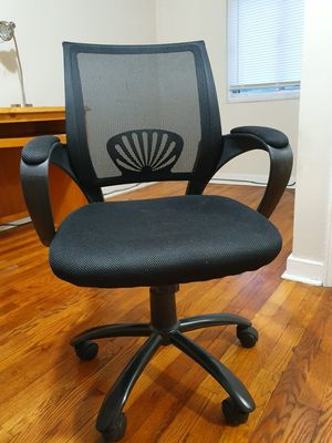 Office chair with mesh back support for Sale in Pittsburgh, PA