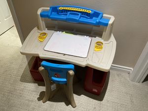 Step 2 Deluxe Art Master Kids Desk and Chair for Sale in Laguna Woods, CA