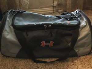 Under Armor Large Duffle bag for Sale in Mansfield, TX