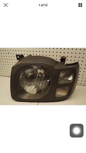 2002 2003 Nissan XTerra Left Side Headlight OEM for Sale in Gardena, CA
