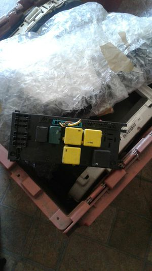 Mercedes Benz signal control Module Fuse relay box part # 019 545 56 32 for Sale in Hayward, CA