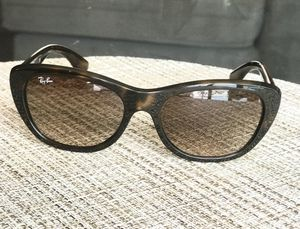 Polarized Ray Ban Sunglasses for Sale in San Diego, CA