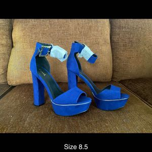 BRAND NÉW HEELS ! 8.5 for Sale in Bellwood, IL