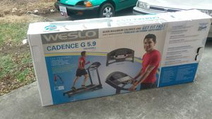 Welso cadence g 5.9 treadmill for Sale in Roanoke, VA