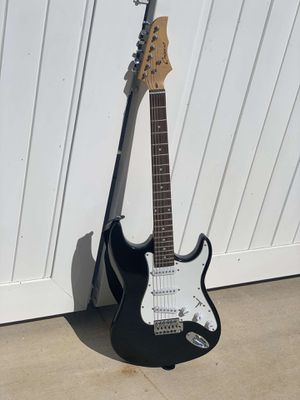 Crescent electric guitar for Sale in Riverside, CA