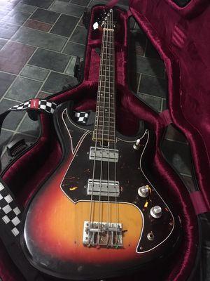 (Rare) 1970 Silvertone Vintage Bass Guitar for Sale in Nashville, TN