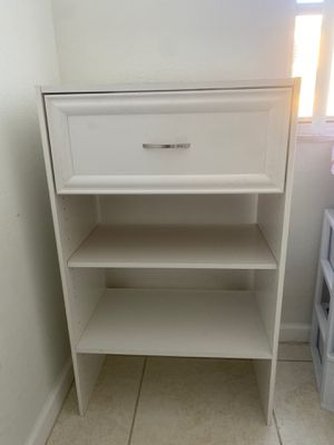 White dresser for Sale in North Miami, FL