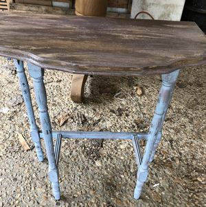 Distressed side table for Sale in Camden, AR