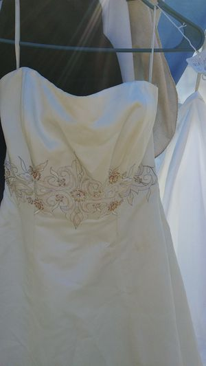 Size 10 Ivory Multi Wedding Dress for Sale in Easley, SC