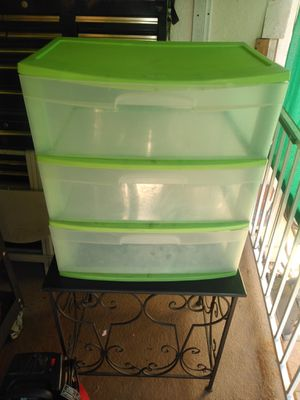 Sterilite plastic 3 drawer tote for Sale in Garden Grove, CA