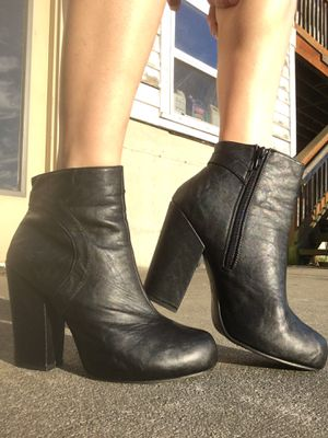 Blowfish black ankle boots sz 10 for Sale in Stanwood, WA
