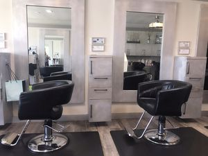Salon chairs for Sale in Long Beach, CA
