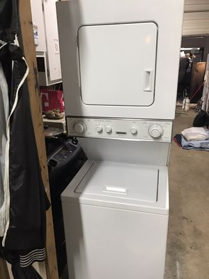 """Frigidaire white stackable wash and dryer 24"""" Wide in excellent condition plus 6 months warranty. Delivery service available for Sale in Pompano Beach, FL"""
