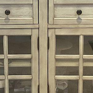 Pike And Main Tv Console Or Dining Sideboard for Sale in Spring Hill, TN