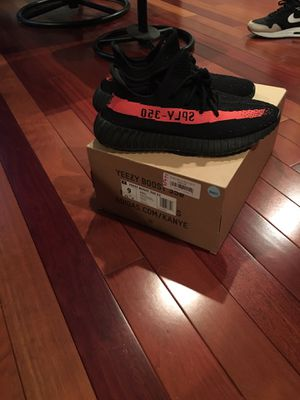 Yeezy Boost 350 V2 Size 9 for Sale in Clifton, VA