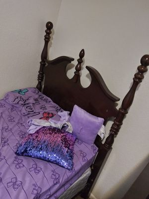 Headboard and bed frame for Sale in Kansas City, KS