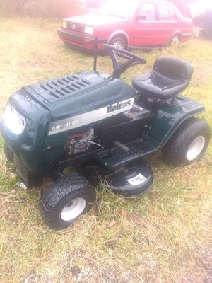 Bolens tractor needs battery and drive belt for Sale in Gambrills, MD