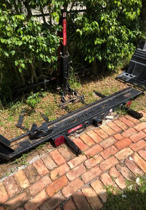 The might hauler motorcycle lift for rv or hitch for Sale in North Miami Beach, FL