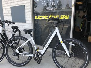 New women's pace 350 electric bike medium one year warranty for Sale in Anaheim, CA