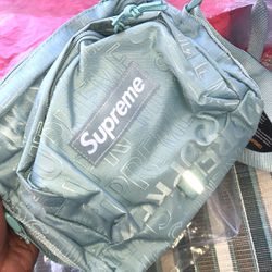 Supreme Bag 100$ for Sale in Worcester,  MA