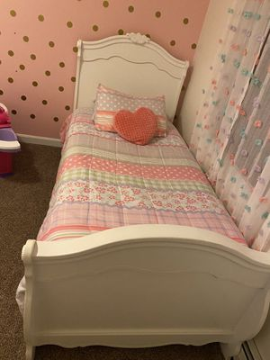 Twin bed for Sale in Worcester, MA