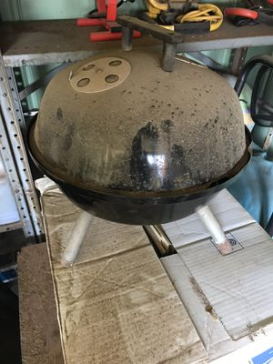 Small bbq grill for Sale in Phoenix, AZ