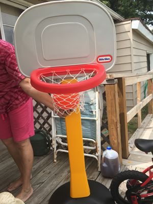 Basketball hoop for Sale in Granite City, IL