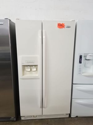 """WHIRLPOOL REFRIGERATOR 33"""" Works great and warranty for 3 month Funcionando bien y garantía de 3 meses Delivery and installation available for Sale in Hialeah, FL"""