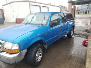 Bendo esta ford ranger año 2000 for Sale in Dallas, TX