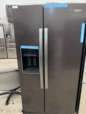 Whirlpool side by side in dark stainless for Sale in Lake Elsinore, CA
