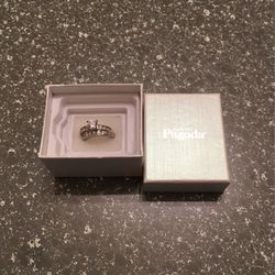 Brand New / Never Worn 6 1/2 Wedding Ring for Sale in College Park,  GA