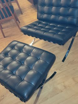 Mid Century Modern Barcelona Lounge Chair and Ottoman Rep for Sale in Kent,  WA