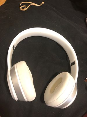 White beats wireless for Sale in Newark, OH