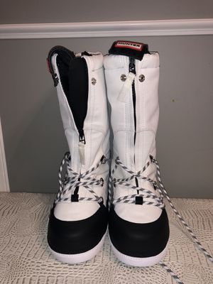 Hunter snow boots size 6 NEW for Sale in Gaithersburg, MD