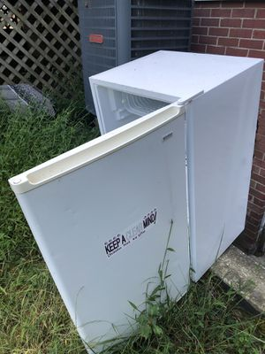 Kenmore Mini fridge for Sale in Harwood, MD