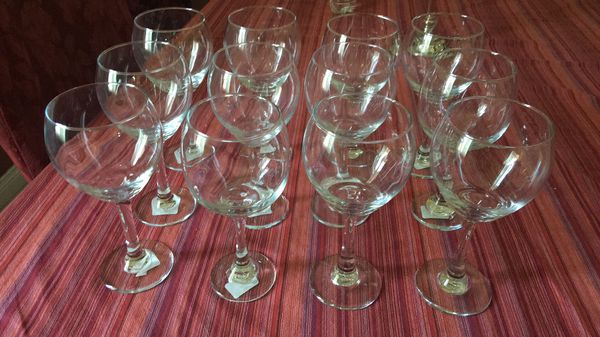 Set of 12 wine glasses- 20 oz