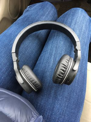 bluetooth headphones for Sale in Hoffman Estates, IL