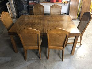 Cherry wood dining table for Sale in Clovis, CA