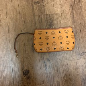 Broken Zipper REAL MCM bag for Sale in Towson, MD