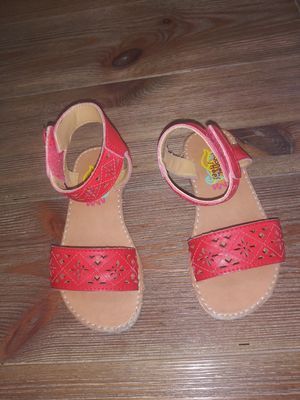 Girls Sandals, size 8. Excellent for Moana costume! for Sale in Miami, FL