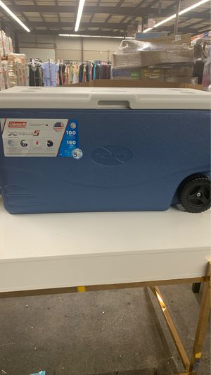 Coleman Xtreme 5 100 QT Cooler for Sale in North Haven, CT