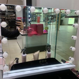 Beauty Creations Vanity Mirrors for Sale in Montebello, CA