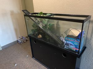 Gently Used 65 Gallon Fish Tank for Sale in Kirtland, OH
