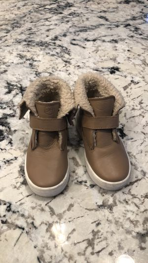 Freshly Picked Almond Sherpa Boots for Sale in Orem, UT